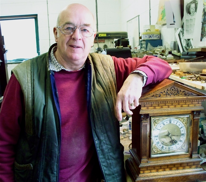 Ian Whitworth in his workshop - see the link to his website on the blogroll (right)